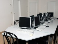 007_did_munich_school_computer-room_34203556444_o