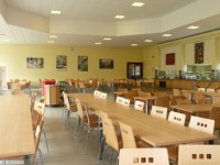 embassy_summer_schools_reigate_cafeteria